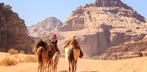 Kelionė Jordanija: karavanas keliauja toliau