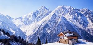 Kelionė Slidinėjimas Italijoje, Šveicarijoje ir Prancūzijoje (Aostos slėnis) (lėktuvu)