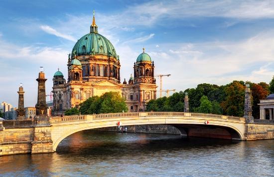 Vokietijos sostinė Berlynas ...praeities ir dabarties sintezė (3d/2n)