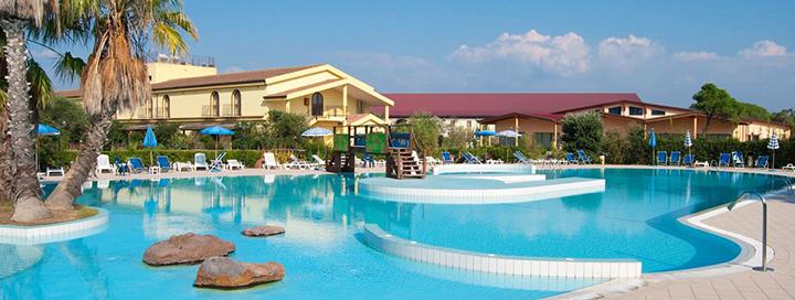 Puikus pasiūlymas žirgų mylėtojams - pasakiškos atostogos teminiame viešbutyje SARDINIJOJE! Romantiška savaitė 4* viešbutyje.