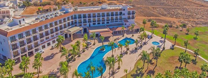 Per atostogas pramogaukite po šilta KIPRO saule! 7 n. poilsis 4* viešbutyje šalia paplūdimio su pusryčiais ir vakarienėmis.
