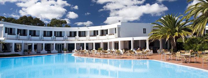 Itališkas poilsis prie Viduržemio jūros žavingoje SARDINIJOJE! Savaitė ant jūros kranto įsikūrusiame 4* viešbutyje FLAMINGO.