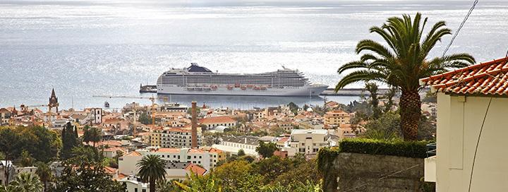 10 naktų Costa kompanijos kruizas iš Italijos, pasiekiantis Portugalijos krantus.