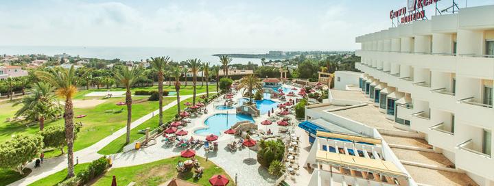 Mėgaukitės saulėtu oru KIPRE! Savaitės atostogos 3* viešbutyje CROWN RESORTS HORIZON.