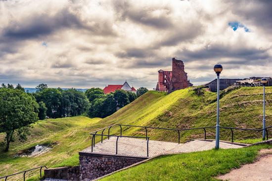 LDK kunigaikščių ir didikų keliais Baltarusijoje