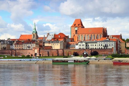 Lenkija. Olštynas - plaukimas Elblongo-Ostrudos kanalu - Torūnė - Varšuva