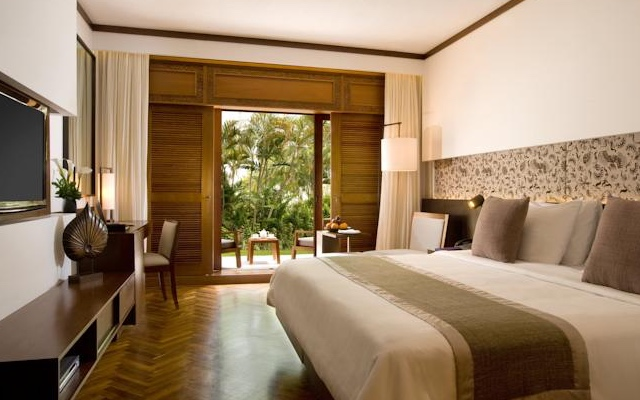 NUSA DUA BEACH HOTEL AND SPA 5*