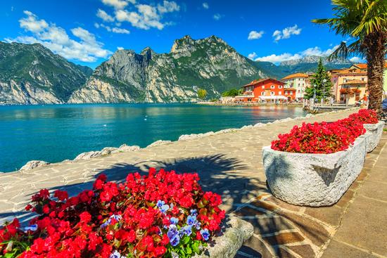 Prancūzijos Alpės ir turtingoji Šiaurės Italija..didingasis Monblanas ir viliojantis Gardos ežeras