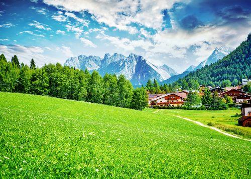 Pietų Tirolis Dolomitinių Alpių apsuptyje