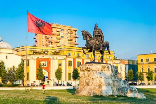 Neatrastoji Albanija - paslaptingoji Makedonija