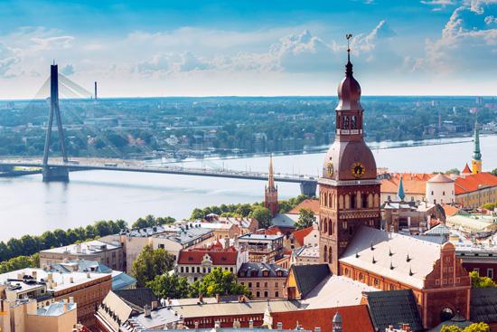 Latvija: legendinės pilys ir rūmai 2d.
