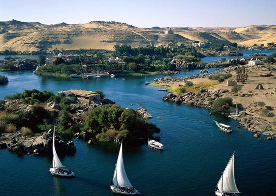 Kruizas Nilu ir dvi Egipto sostinės