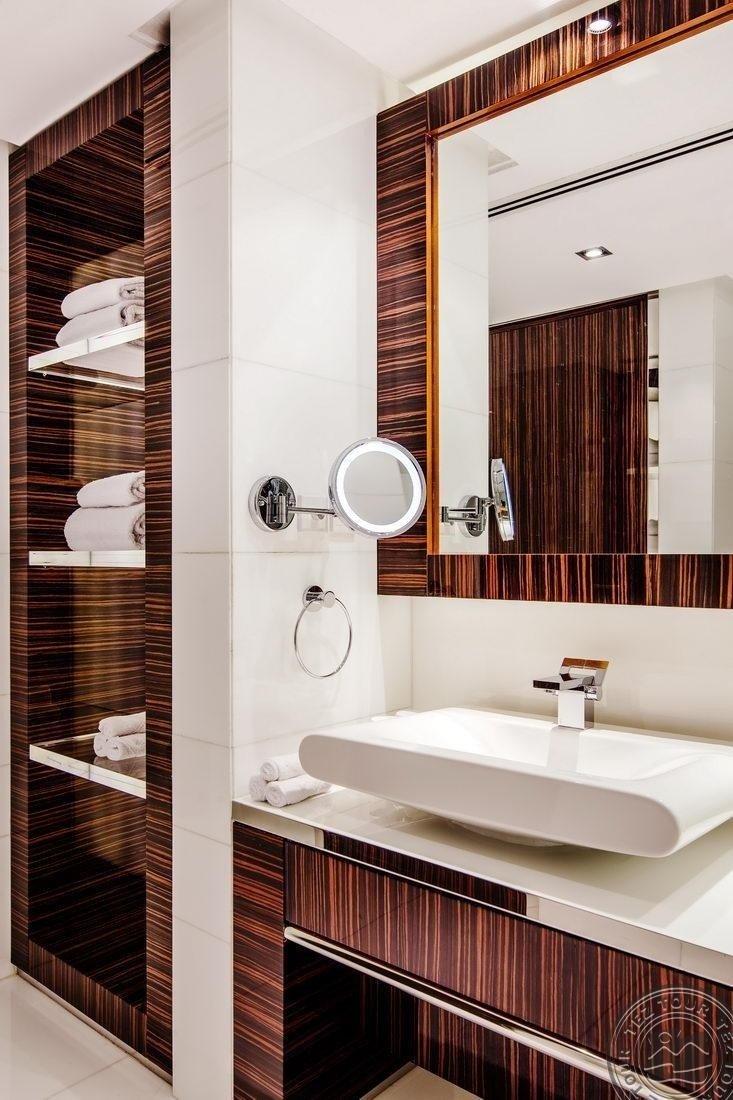 HILTON DUBAI THE WALK HOTEL