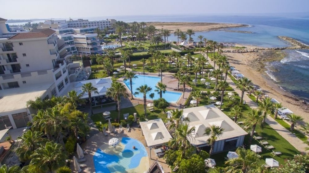 Aquamare Beach & SPA