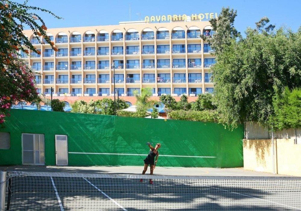Navarria Hotel