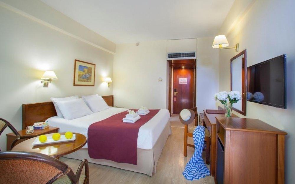 Kapetanios Odysseia Hotel