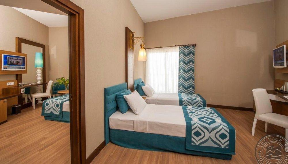 DREAM WORLD RESORT HOTEL&SPA