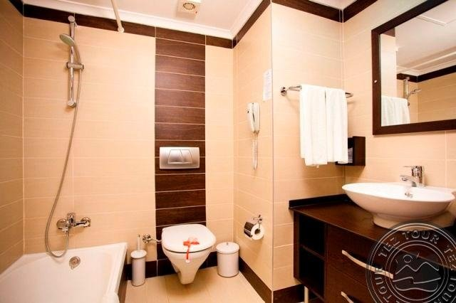 NOVA PARK HOTEL SIDE