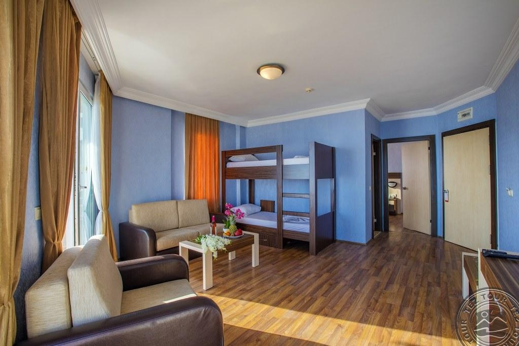HAWAII SUITE BEACH HOTEL